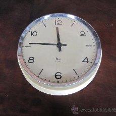 Relojes de pared: RELOJ DE PARED CUERDA DIARIA. Lote 37831028