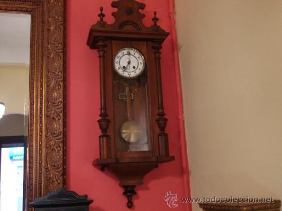 ANTIGUO RELOJ DE PARED DE CUERDA (Relojes - Pared Carga Manual)