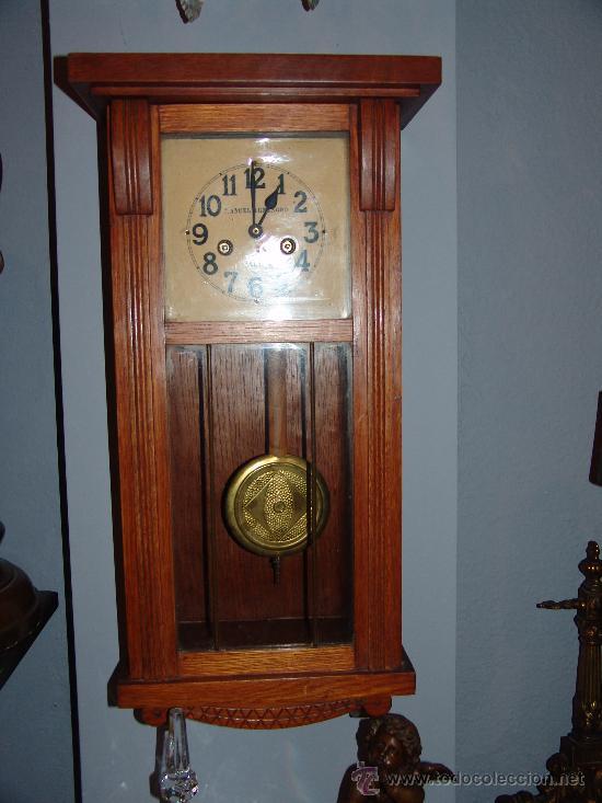 MUY BONITO RELOJ DE PARED ESTILO MODERNISTA (Relojes - Pared Carga Manual)