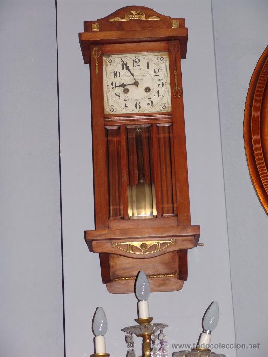ANTIGUO RELOJ DE PARED ESTILO MODERNISTA (Relojes - Pared Carga Manual)