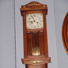 Relojes de pared: ANTIGUO RELOJ DE PARED ESTILO MODERNISTA. Lote 39114299