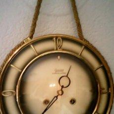 Relojes de pared: ANTIGUO RELOJ DE PARED, CARGA MANUAL.DE LOS AÑOS , 50.MARCA JARANT,SCHWEBE,ANKER HECHO,LATÓN DORADO.. Lote 39770880