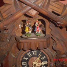 Relojes de pared: ANTIGUO RELOJ DE PARED DE CUCU CON CARRUSEL . Lote 40738420