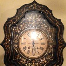 Relojes de pared: RELOJ ISABELINO.MADERA ADORNADA CON NACAR. OFERTAS ACEPTADAS. Lote 40914361