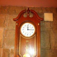 Relojes de pared: RELOJ DE PARED DE MADERA MACIZA MÁQUINA QUARTZ . Lote 41490695
