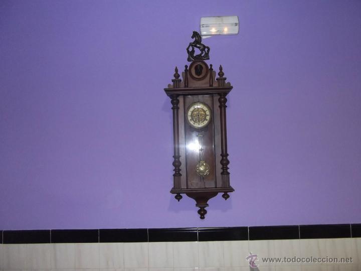 DELECIOSO Y FINO REGULADOR ALEMAN (Relojes - Pared Carga Manual)