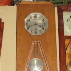 Relojes de pared: RELOJ DE PARED MODERNISTA CON CARILLON. EN FUNCIONAMIENTO.. Lote 26804760