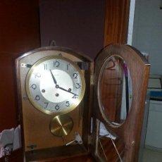 Relojes de pared: RELOJ DE PARED A CUERDA MARCA HERMLE. Lote 43189640