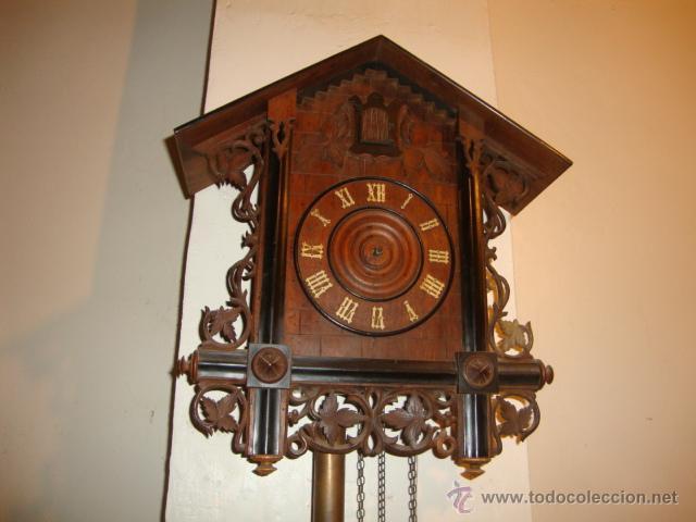 Relojes de pared: EXCELENTE RELOJ CUCU EN MADERA DE NOGAL, ORIGINAL FUNCIONA PERFECTO. - Foto 2 - 43599583