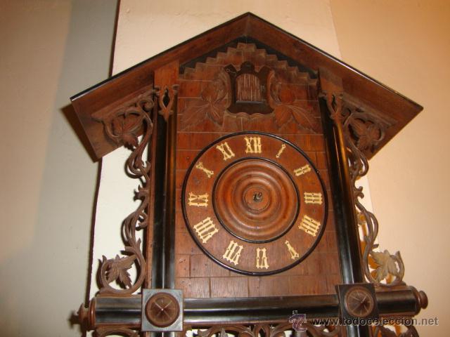 Relojes de pared: EXCELENTE RELOJ CUCU EN MADERA DE NOGAL, ORIGINAL FUNCIONA PERFECTO. - Foto 3 - 43599583
