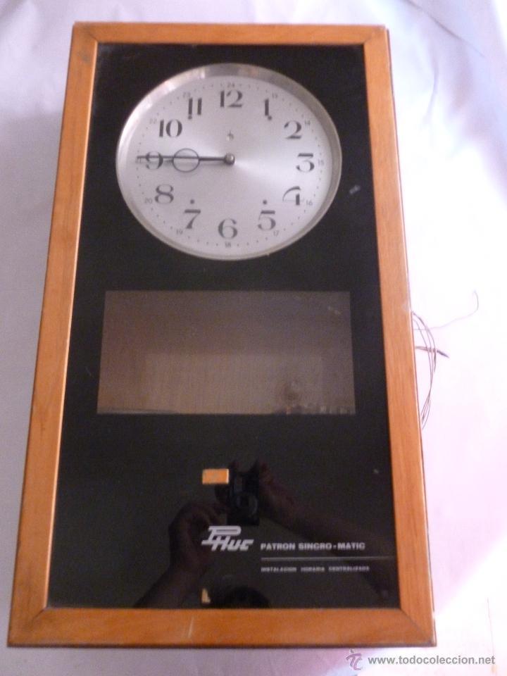 Relojes de pared: JOYA PARA COLECCIONISTAS. RARISIMO RELOJ ELECTRICO DE LA PHUC. SIN CHEQUEAR - Foto 2 - 43804222