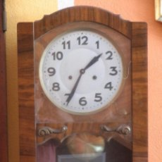 Relojes de pared: ANTIGUO RELOJ DE PARED CAJA DE NOGAL. Lote 43938236