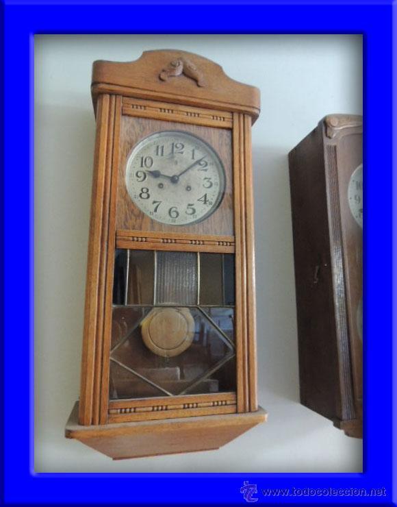 LIQUIDACION RELOJ DE PARED MODERNISTA CON CAJA DE ROBLE. ADMITO OFERTAS (Relojes - Pared Carga Manual)