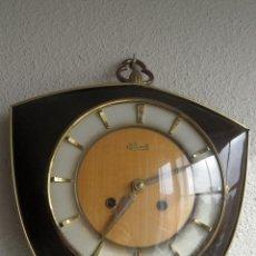 Relojes de pared: RELOJ ALEMÁN MECÁNICO A CUERDA MARCA HERMLE. Lote 45990513