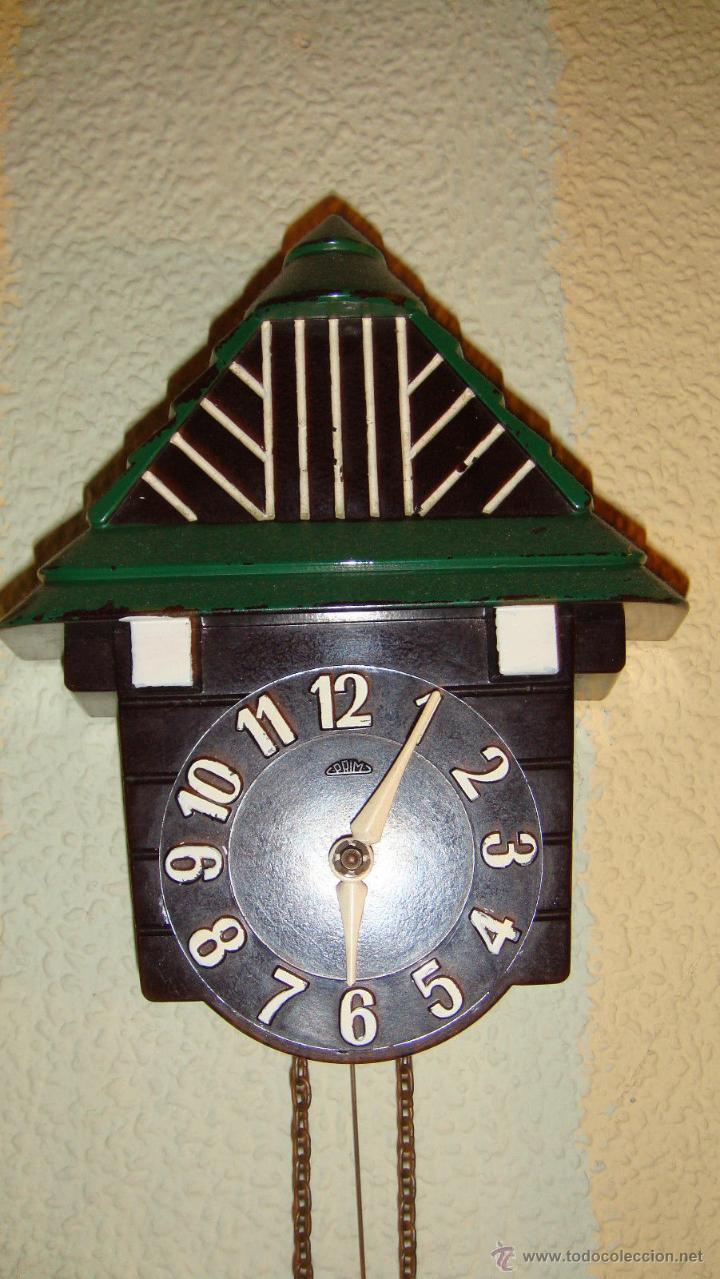 Relojes de pared: PRECIOSO RELOJ MINIATURA ART DECO DE LOS AÑOS 2O EN BAQUELITA FUNCIONANDO DE LA MARCA PRIM - Foto 2 - 47168265