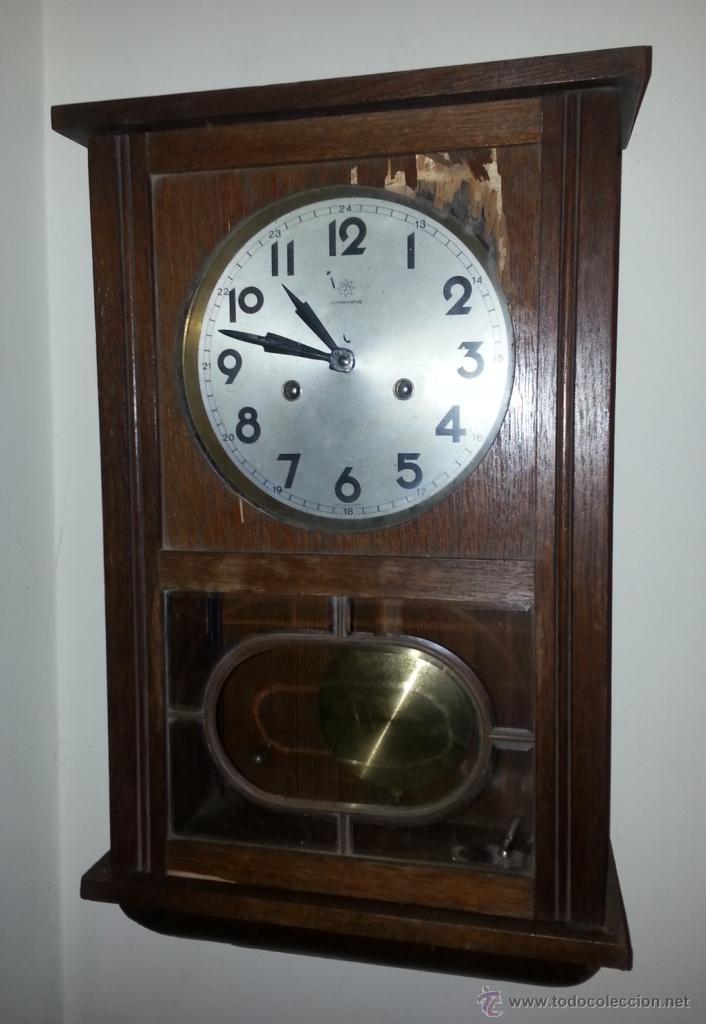 JUNGHANS, RELOJ DE PÉNDULO DE PARED. CIRCA 1925. PARA REPASO. CAJA DE NOGAL. (Relojes - Pared Carga Manual)