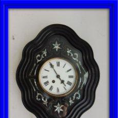 Relojes de pared: RELOJ ISABELINO CON INCRUSTACIONES DE NACAR. Lote 48520943