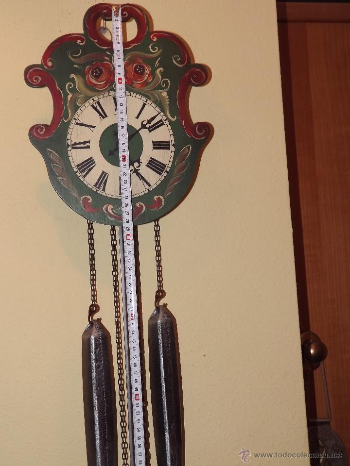 Relojes de pared: RELOJ DE PARED CON BONITOS DIBUJOS DE FLORES PINTADOS A MANO.CUERDA 7-8 DÍAS. - Foto 6 - 48597481
