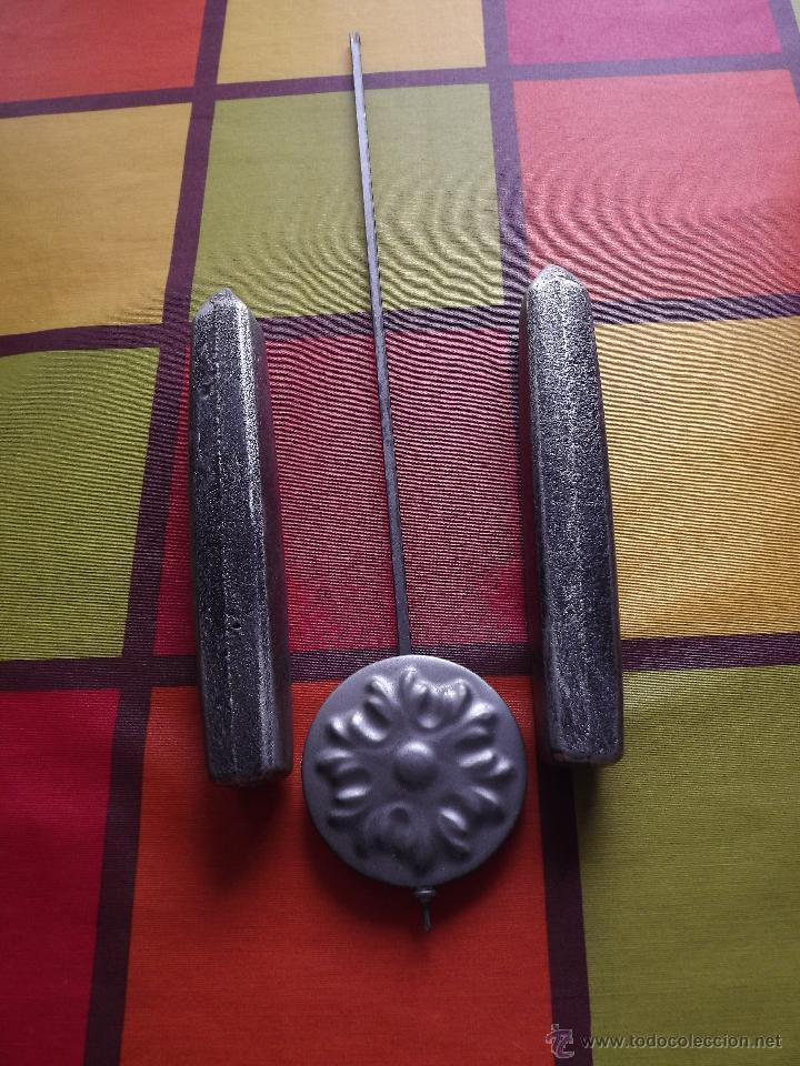 Relojes de pared: RELOJ DE PARED CON BONITOS DIBUJOS DE FLORES PINTADOS A MANO.CUERDA 7-8 DÍAS. - Foto 8 - 48597481