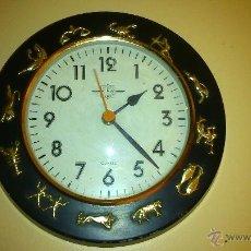 Relojes de pared: BONITO RELOJ DE PARED. CON LOS SIGNOS ZODIACALES.. Lote 49291816