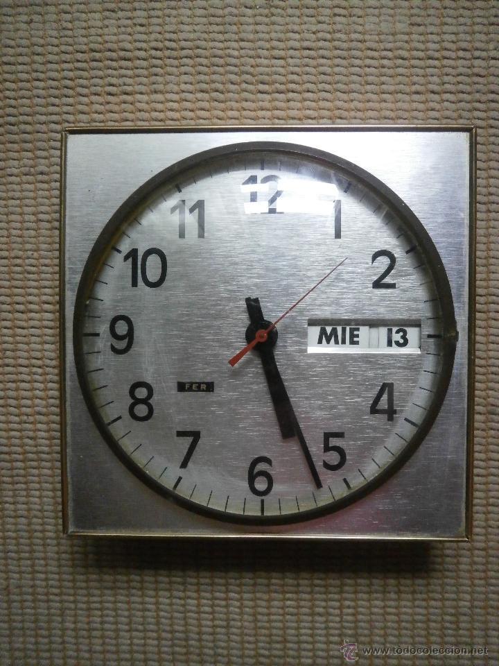 RELOJ DE PARED. (Relojes - Pared Carga Manual)