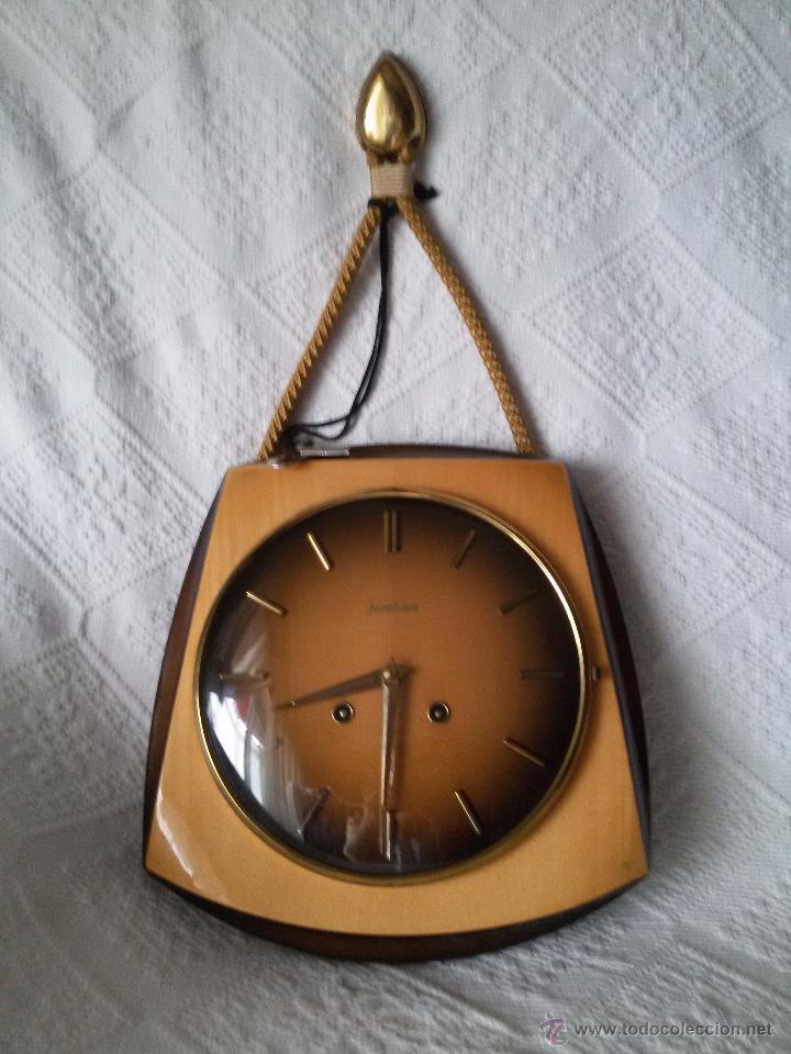 Relojes de pared: ORIGINAL Y ANTIGUO RELOJ DE PARED- ALEMÁN JUNGHANS-DE MADERA Y METAL EL REVERSO-NECESITA LIMPIEZA - Foto 4 - 50868846