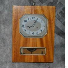 Relojes de pared: RELOJ DE PARED MARCA JANTAR DE FABRICACIÓN SOVIÉTICA, PÉNDULO Y LLAVE. CAMPANADAS.. Lote 51482976
