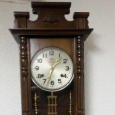 Relojes de pared: RELOJ CON PENDULO. Lote 51659899
