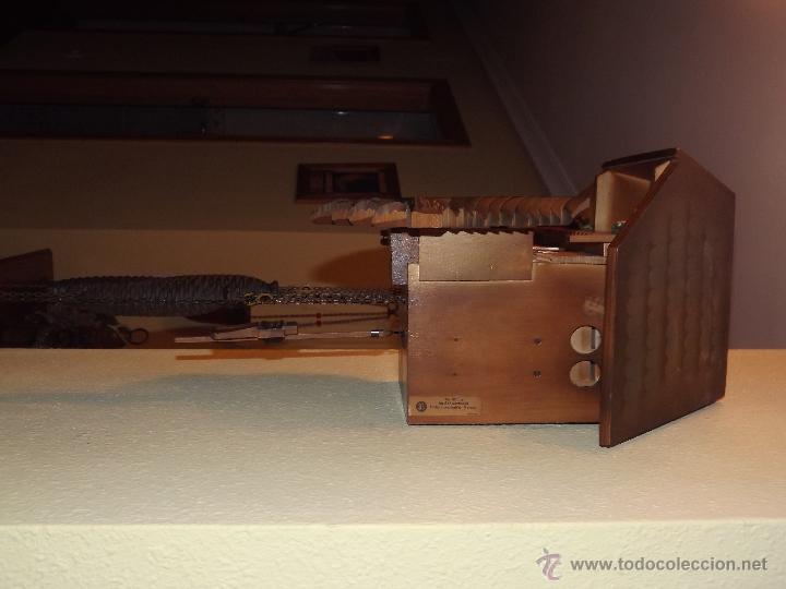 Relojes de pared: RELOJ CUCU-CUCO MUSICAL CON BAILARINES Y RUEDA DE MOLINO MÓVIL. - Foto 5 - 112569743