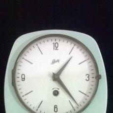 Relojes de pared: RELOJ DE CERAMICA SCHATZ DE LOS AÑOS 50. Lote 53561028
