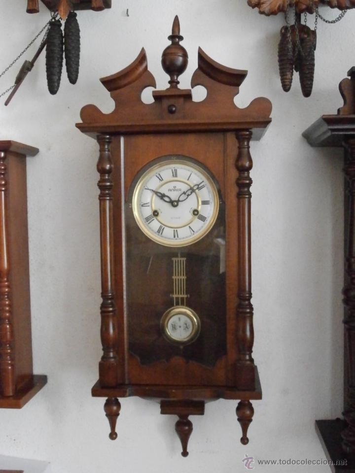 Reloj antiguo de pared mec nico con su p ndulo comprar - Relojes de pared clasicos ...