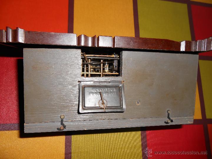 Relojes de pared: BONITO Y RARO RELOJ CUCU HECHO EN LA ANTIGUA UNIÓN SOVIETICA(USSR),TOTALMENTE MECÁNICO Y FUNCIONAL. - Foto 11 - 53831927