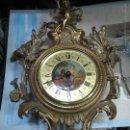 Relojes de pared: ANTIGUO RELOJ DE PARED LA FUENTE,LAFUENTE EN BRONCE CON PESAS,ESFERA PINTADA.. Lote 54416591