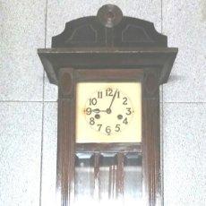 Relojes de pared: RELOJ DE PARED, SONERIA MEDIAS Y HORAS, AÑOS 40. MED. 29 X 14,50 X 80 CM. Lote 54898717