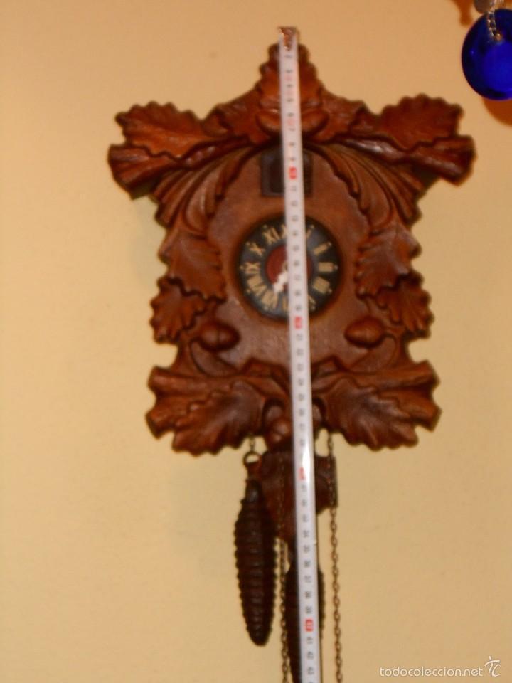 Relojes de pared: RARO RELOJ CUCU HECHO EN GDR,TOTALMENTE MECÁNICO Y FUNCIONAL. - Foto 2 - 177422257