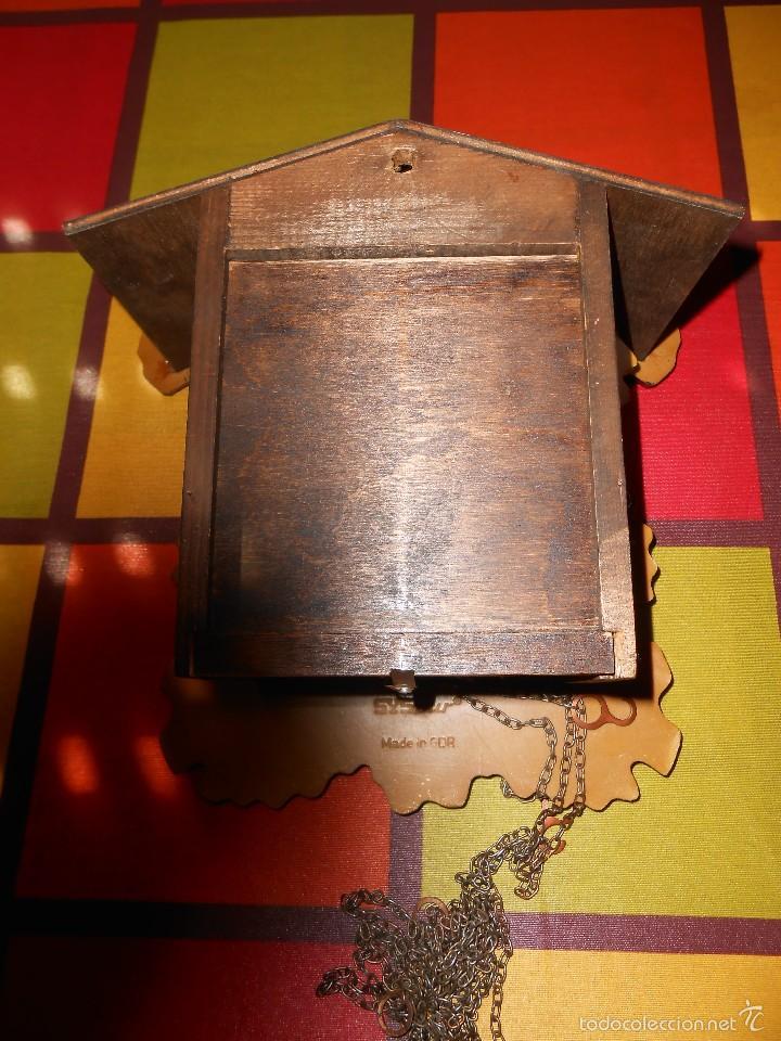 Relojes de pared: RARO RELOJ CUCU HECHO EN GDR,TOTALMENTE MECÁNICO Y FUNCIONAL. - Foto 7 - 177422257
