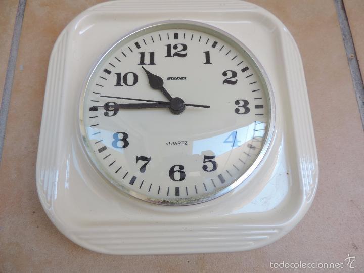 Relojes de pared: Reloj De Pared Blanco Staiger Cuarzo - De Cerámica Blanca Realizado en Alemania en los años 60,s - Foto 3 - 125342586