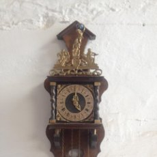 Relojes de pared: RELOJ PARED CON CADENAS DECORADO CON BRONCE Y BOLA AZUL. Lote 56471817