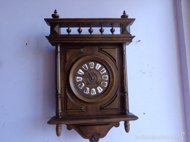 MUY ANTIGUO (SOBRE 1880) E IMPORTANTE RELOJ A CUERDAS SONERIA DE HORAS Y MEDIAS, FUNCIONANDO (Relojes - Pared Carga Manual)