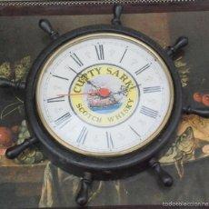 Relojes de pared: RELOJ PARED MADERA TIMON PUBLICIDAD SCOTCH WHISKY CUTTY SARK.FUNCIONA.. Lote 56620379