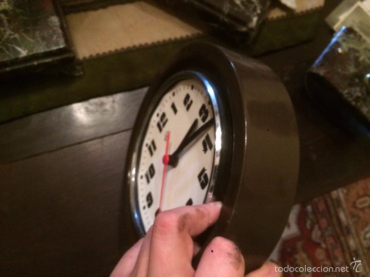 Relojes de pared: Antiguo reloj de pared marca Arcos Electric de los años 70 - Foto 2 - 57419443