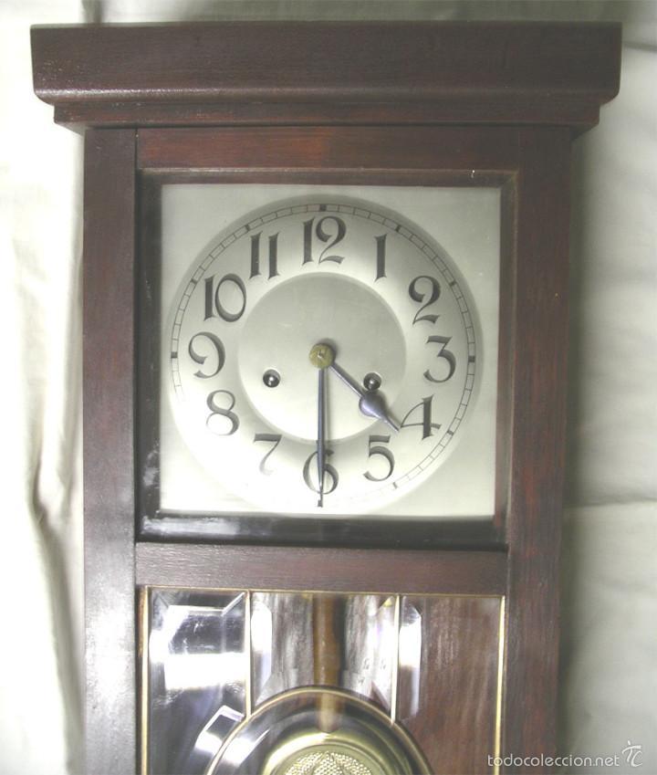 Relojes de pared: Reloj pared post modernista, funciona, soneria medias y horas, completo. Med. 28 x 14 x 80 cm - Foto 2 - 57997899