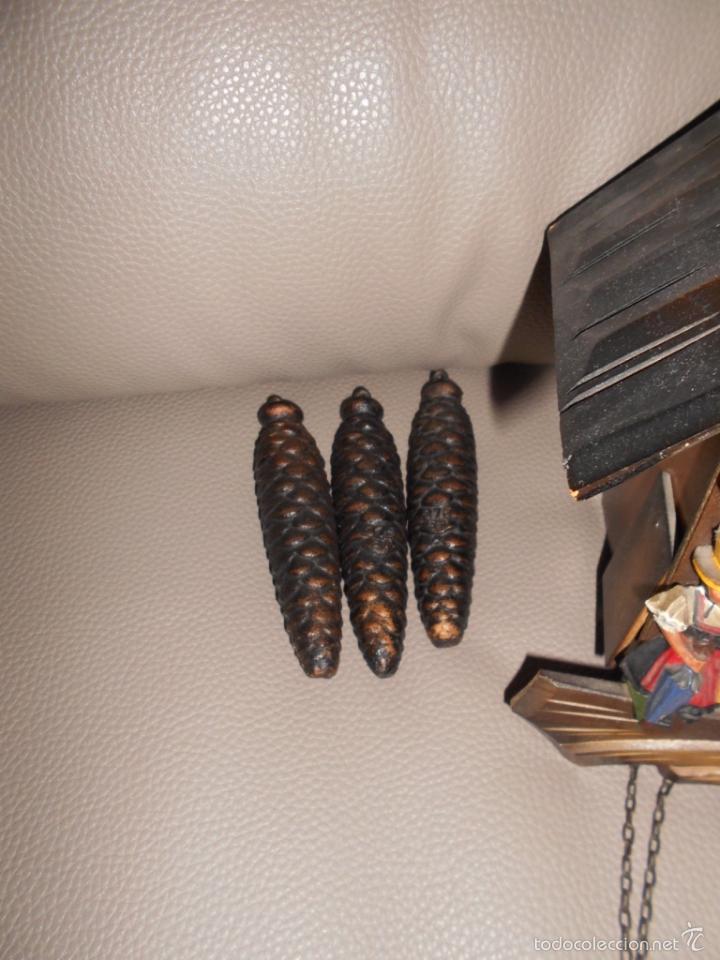Relojes de pared: Antiguo reloj DE PARED cuco Selva Negra años 60 70 con cadenas y pesas Completo - Foto 3 - 142224345