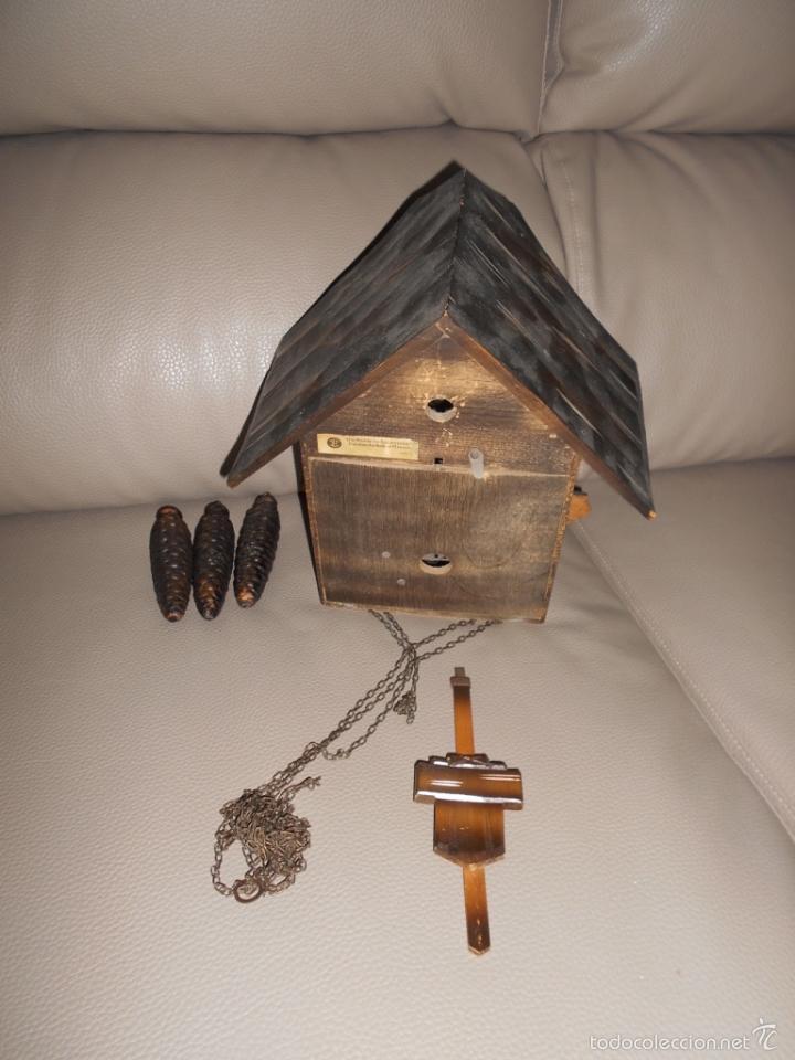 Relojes de pared: Antiguo reloj DE PARED cuco Selva Negra años 60 70 con cadenas y pesas Completo - Foto 5 - 142224345
