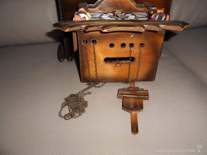 Relojes de pared: Antiguo reloj DE PARED cuco Selva Negra años 60 70 con cadenas y pesas Completo - Foto 7 - 142224345