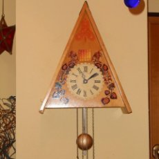 Relojes de pared: GRANDE,RARO E IMPRESIONANTE RELOJ CUCU DE MADERA,HECHO EN LA ANTIGUA UNIÓN SOVIÉTICA(CCCP).. Lote 58266821