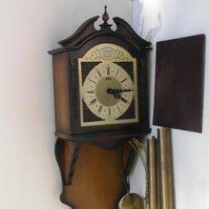 Relojes de pared: RELOJ DE PARED TEMPUS FUGIT FUNCIONANDO. Lote 58278225