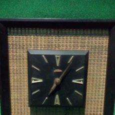 Relojes de pared: ANTIGUO Y RARO RELOJ DE PARED SUNBEAM CORDLESS AMIRICANO,MAQUINA ALEMANA. Lote 58501492