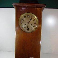 Relojes de pared: ANTIGUO RELOJ DE PARED A CUERDA MAQUINARIA DUFA NUMERACION 70441. Lote 115069087