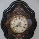 Relojes de pared: RELOJ DE PARED - ISABELINO - MARQUETERÍA EN NÁCAR - ESFERA DE ALABASTRO - MAQUINA PARÍS - FUNCIONA. Lote 60943755